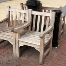 Le mobilier urbain en bois, la solution pour une ville durable ?